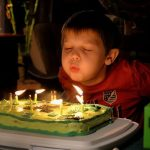 לבנים בלבד: יום הולדת בלתי נשכח